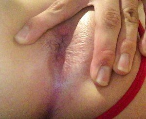 Pushing out more of daddy&#039,s cum from my ass