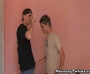 Two Horny Twinks Gets Oral